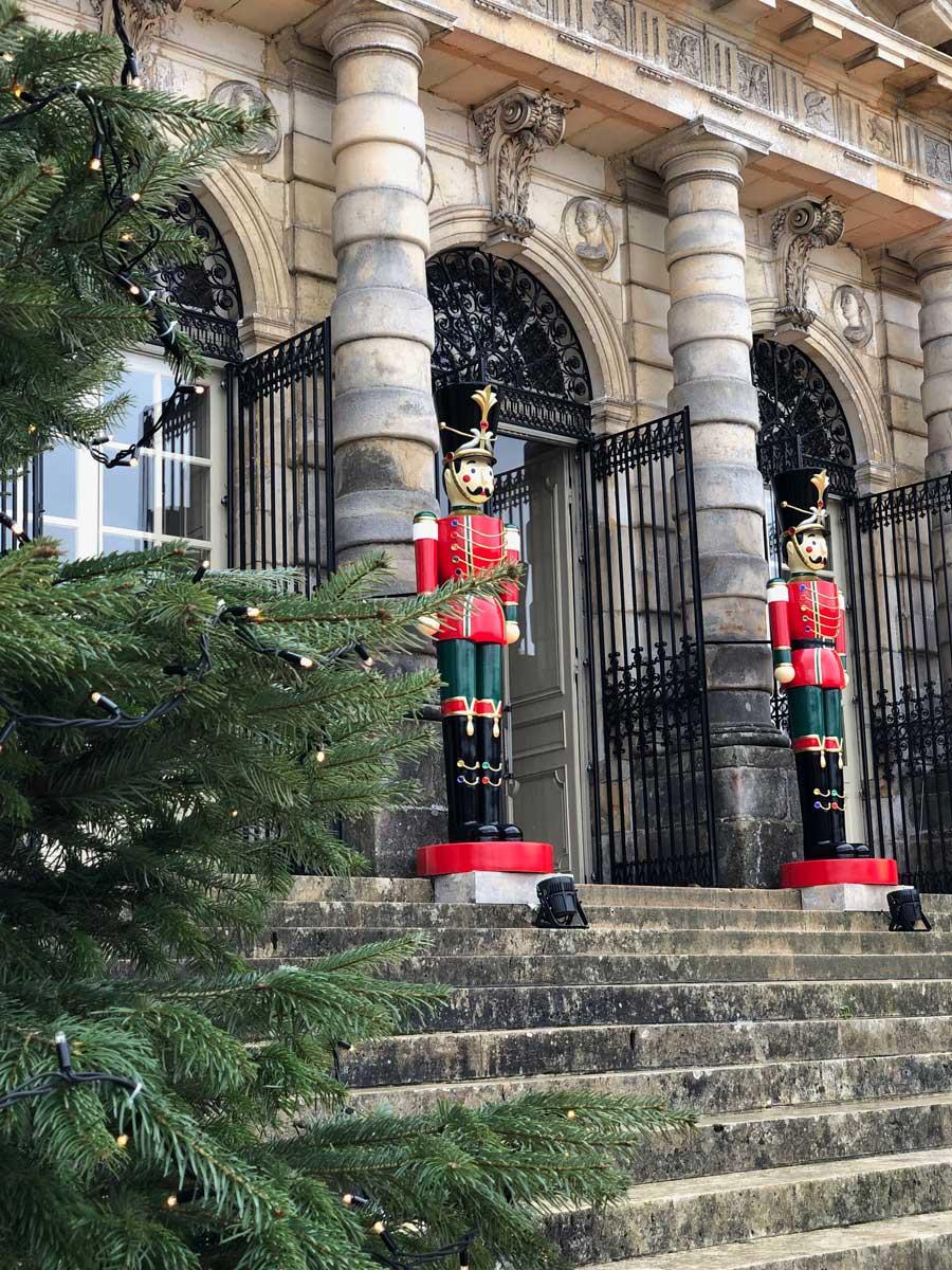 vaux-le-vicomte-christmas-french-castle
