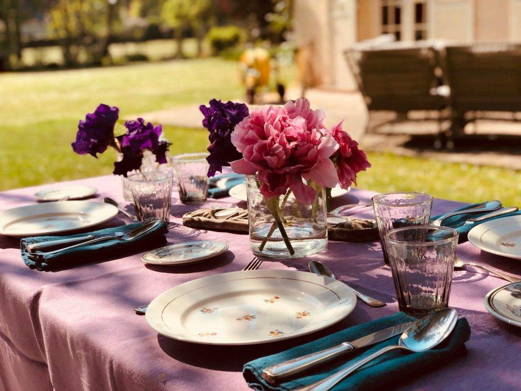 setting summer table, French countryside, peonies