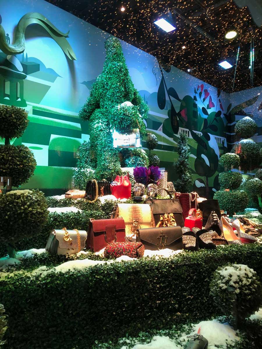 printemps-haussmann-christmas-display-green