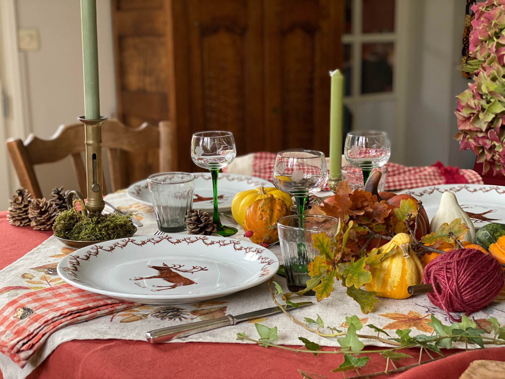 Autumn-table-setting-woodland-5