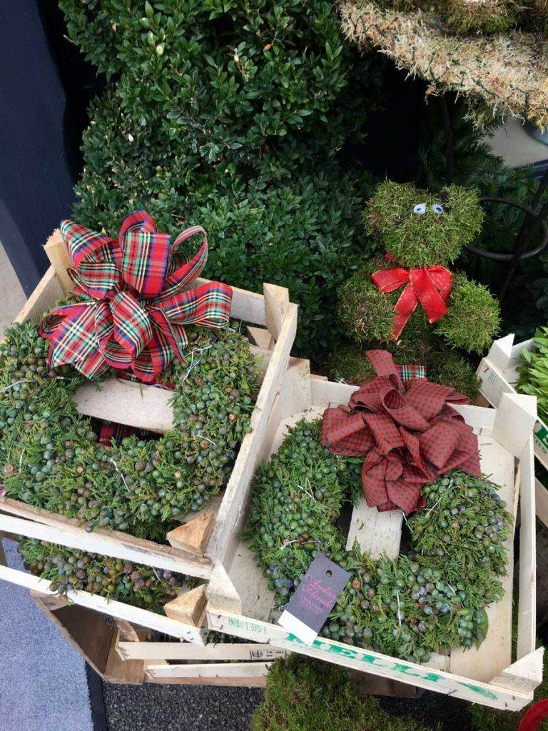 christmas-wreaths-bow-vt