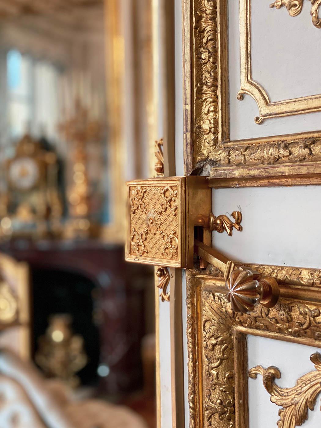 une-bonne-maison-chantilly-castle-french-chateau-door