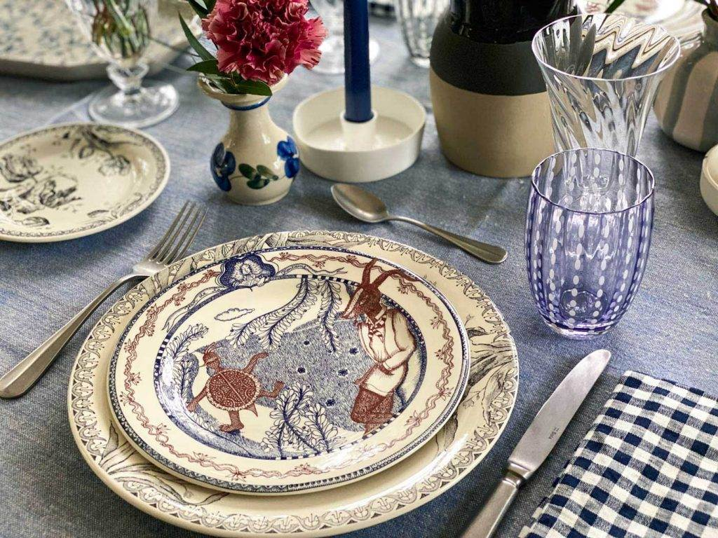 une-bonne-maison-simple-winter-lunch-gien-lafontaine-tablescape-detail-large
