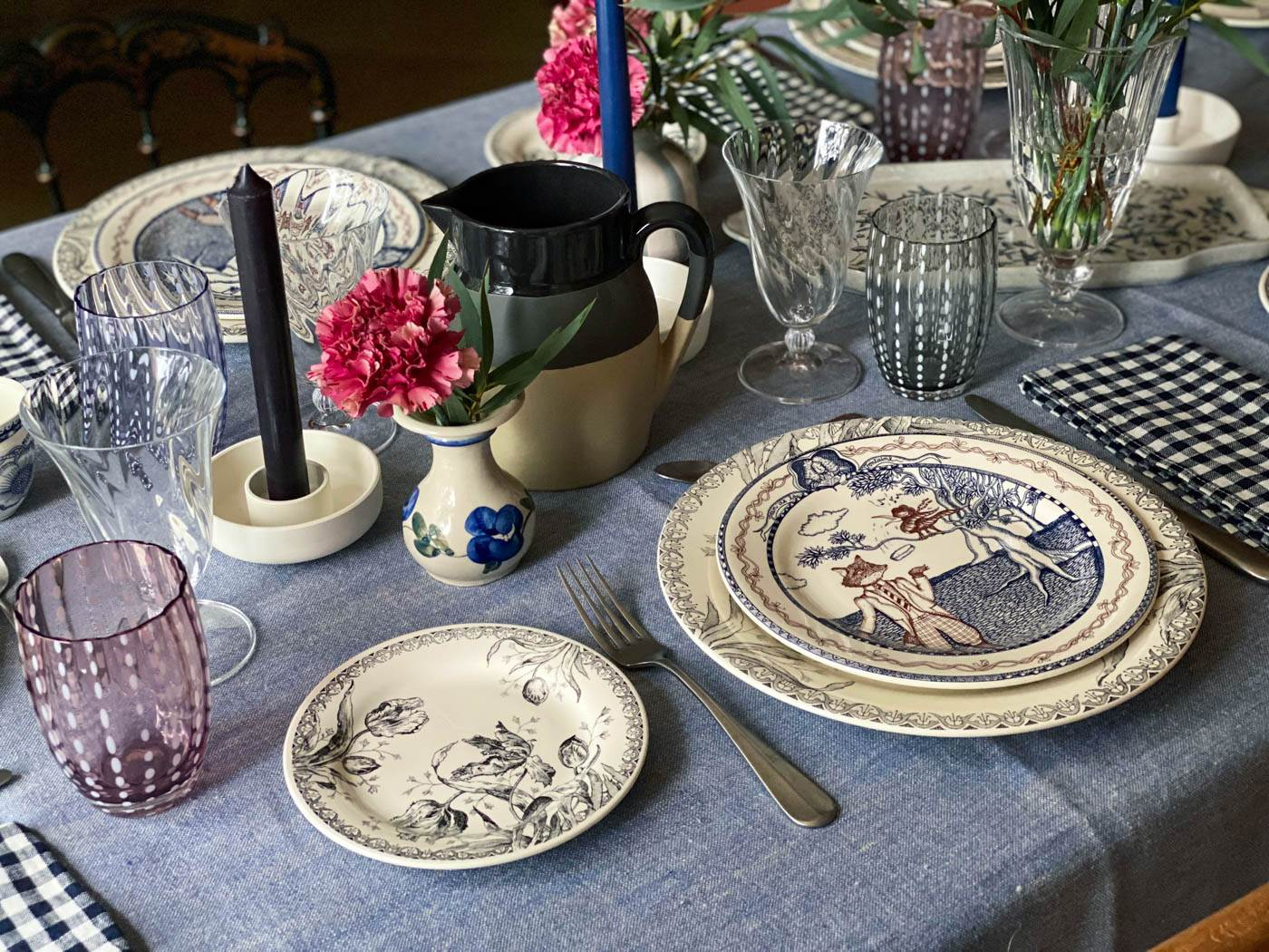 une-bonne-maison-simple-winter-lunch-tablescape-gien-lafontaine