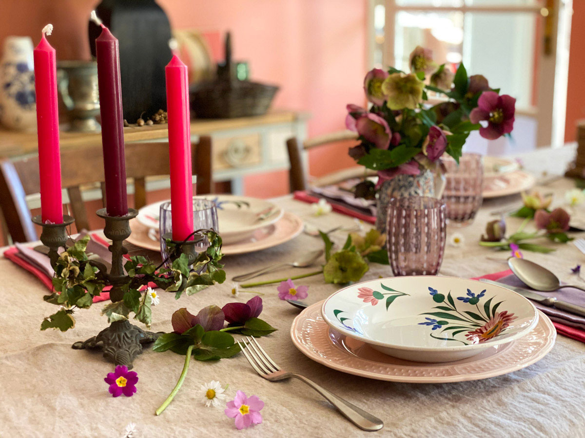 a-charming-spring-table-flowers-crockery-french-country