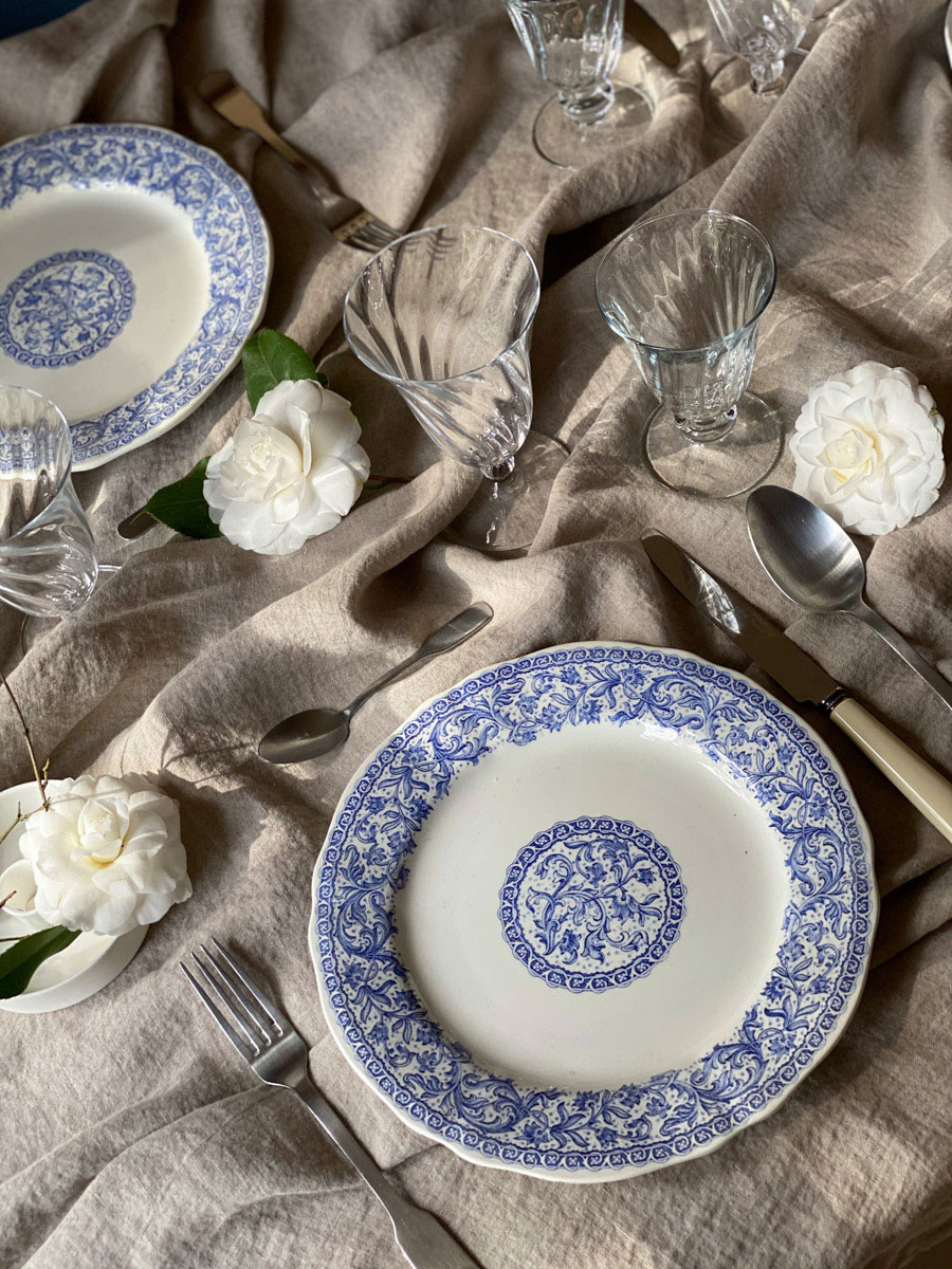 blue-and-white-table-setting-french-countryside-chic-white-camelia
