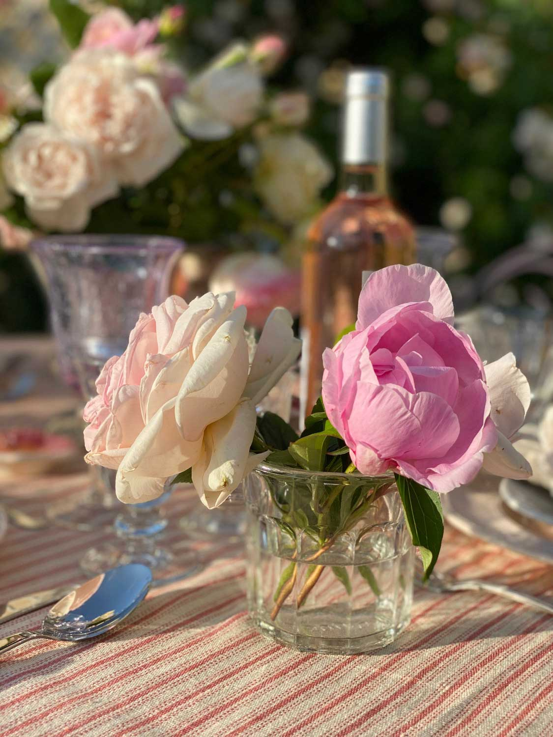 rose-garden-party-tablescape-10