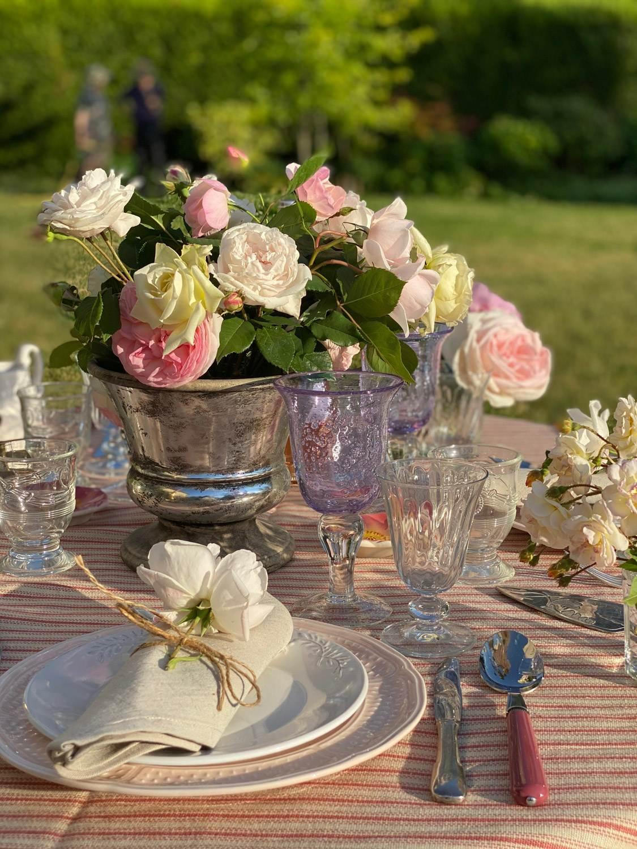 rose-garden-party-tablescape-15