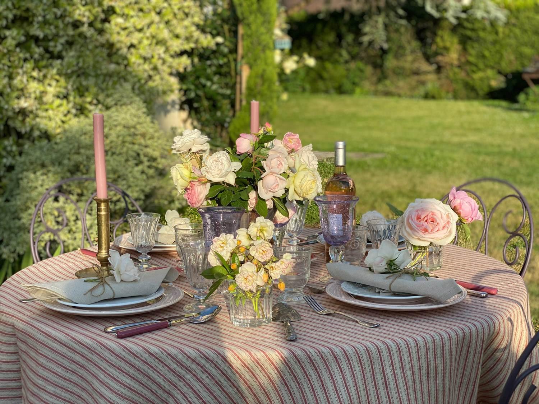 rose-garden-party-tablescape-21